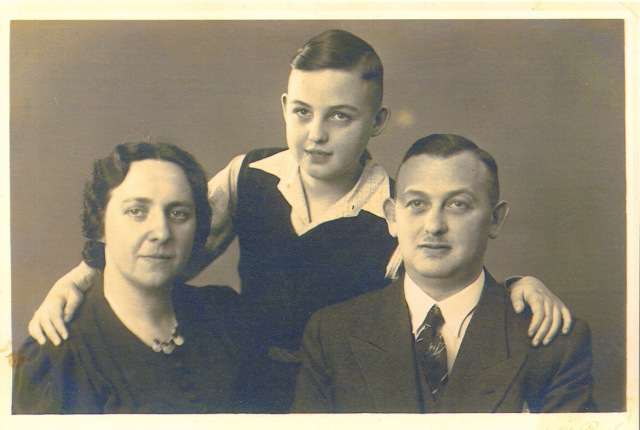 Gerhard with Gotthold and Eliesabeth Levy